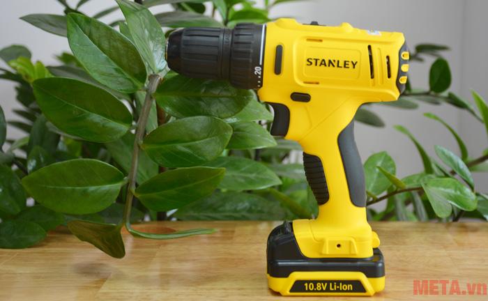 Stanley SCD 12S2 có khả năng khoan gỗ, khoan sắt