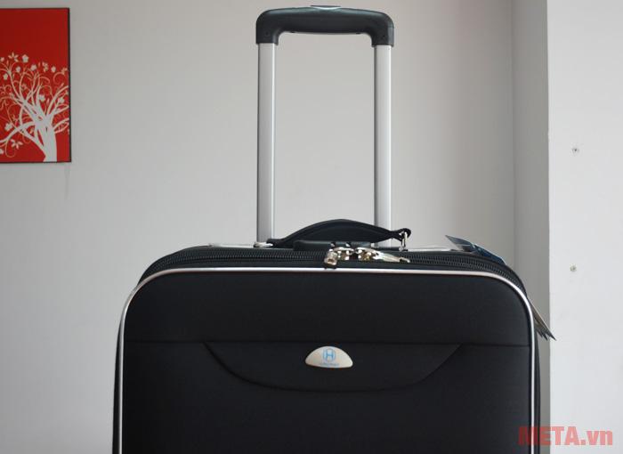 Tay kéo giúp bạn di chuyển vali dễ dàng hơn