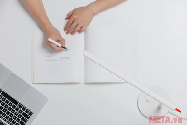 Đèn bàn Led thông minh Xiaomi - MUE4052HK phù hợp để sử dụng đọc sách, làm việc