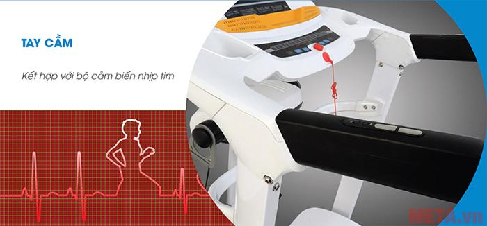 Tay cầm được kết hợp với bộ cảm biến nhịp tim