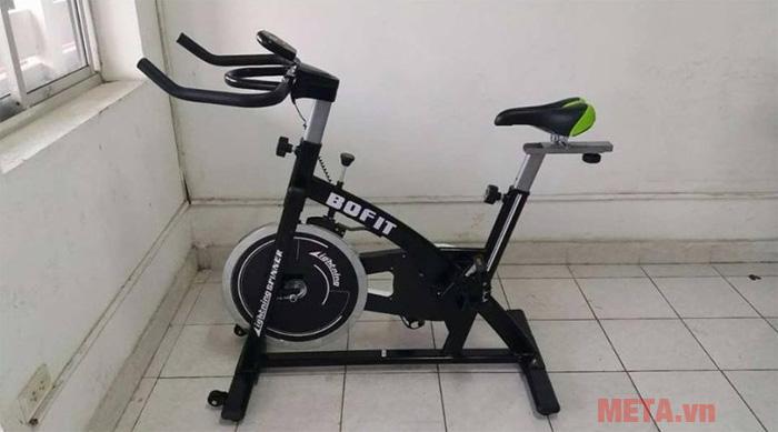 Xe đạp tập Bofit 656 phù hợp với mọi không gian sử dụng