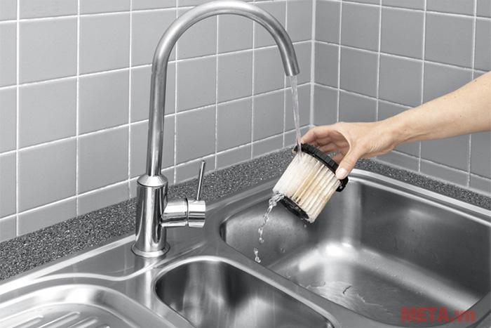 Đầu lọc của máy có khả năng rửa sạch với nước