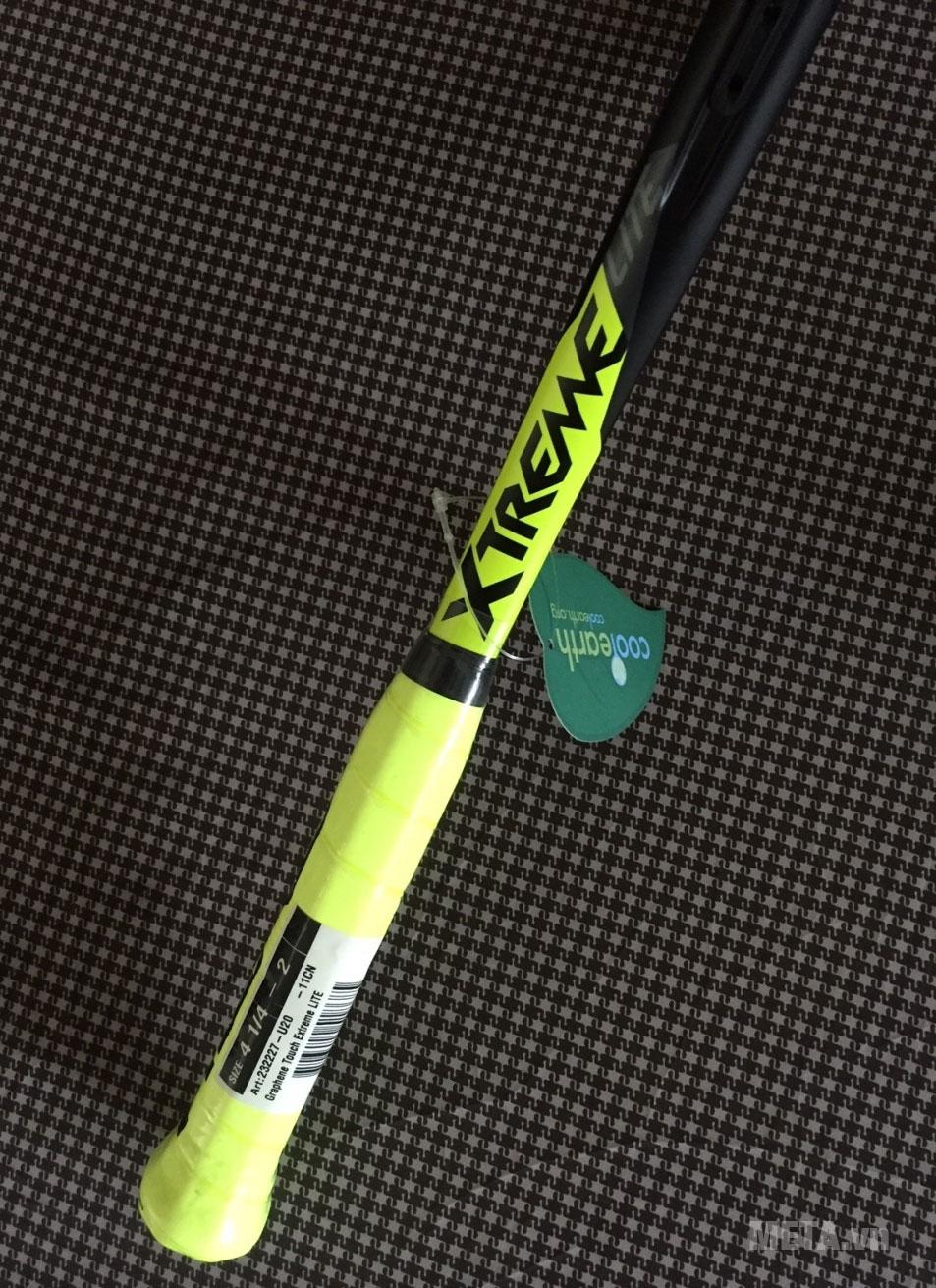 Cán của vợt tennis