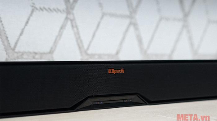 Các phím điều kiển được thiết kế ngay trước mặt loa