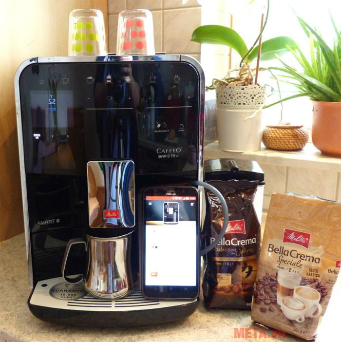 Máy pha cà phê Melitta Barista TS Smart có khả năng kết nối bluetooth