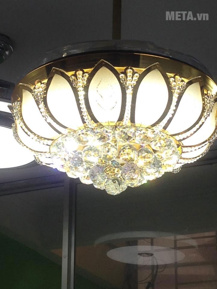 Quạt trần đèn mang phong cách hoàng gia