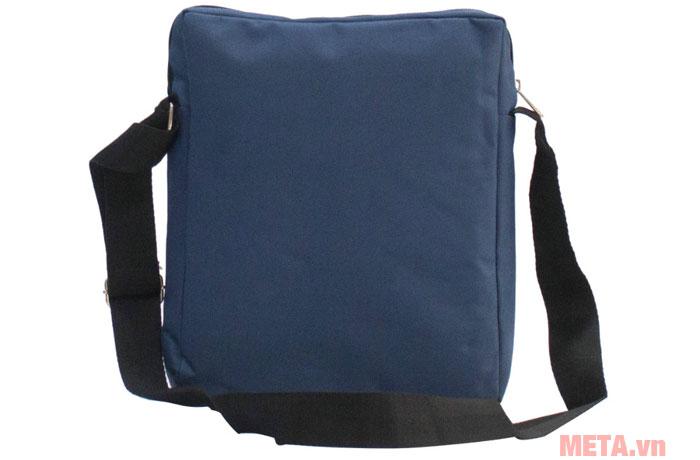 Túi được làm từ vải bố bền bỉ khi sử dụng