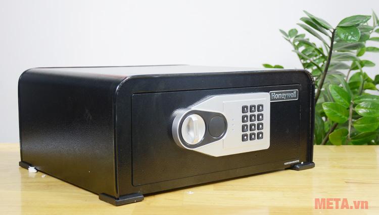 Két sắt khóa số Honeywell 5705 giúp cất giữ các đồ dùng giá trị