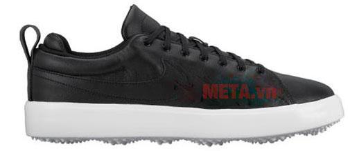 Thân giày được in logo thương hiệu Nike