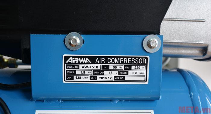 Thông số kỹ thuật được ghi trên thân máy