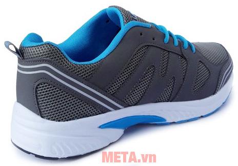 Giày chạy bộ Ebet được làm bằng vải tổng hợp