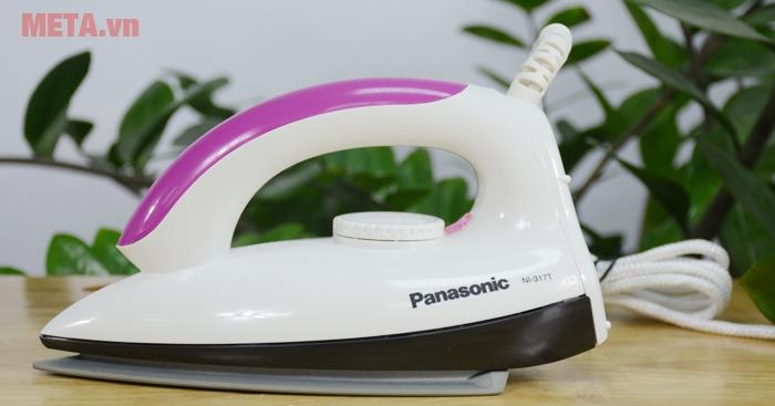 Bàn là Panasonic PABU-NI-317T màu hồng