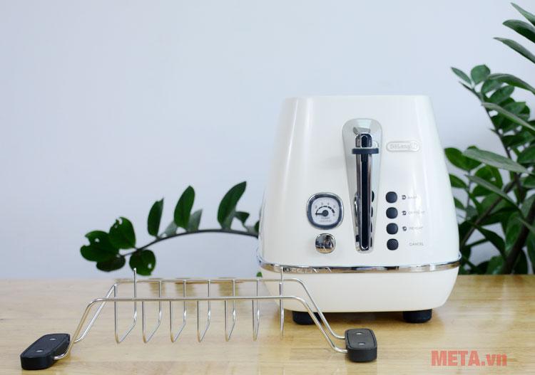 Máy nướng bánh được trang bị thêm khay hâm nóng tiện ích