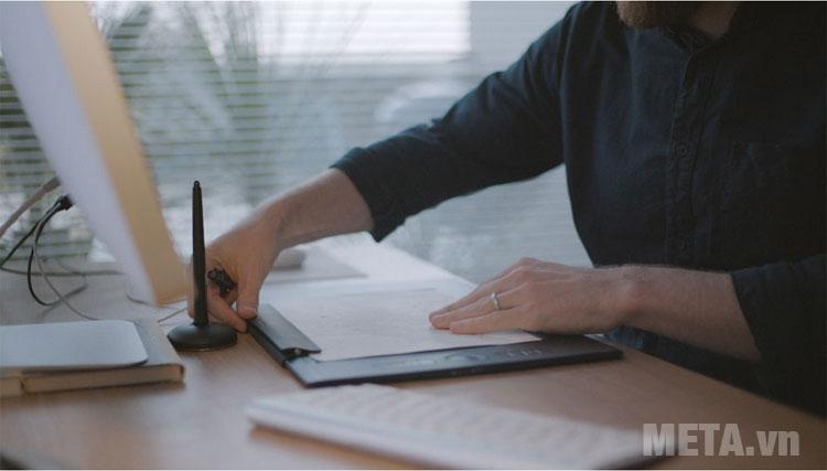 Wacom Intuos Pro Paper Large được thiết kế tiện dụng trong quá trình làm việc