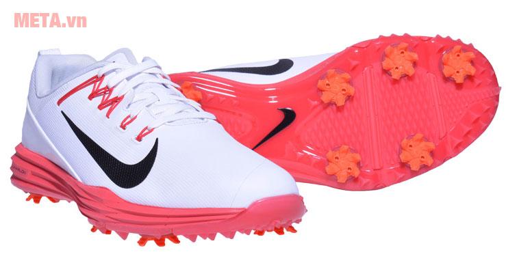 Giày golf có màu sắc trang nhã