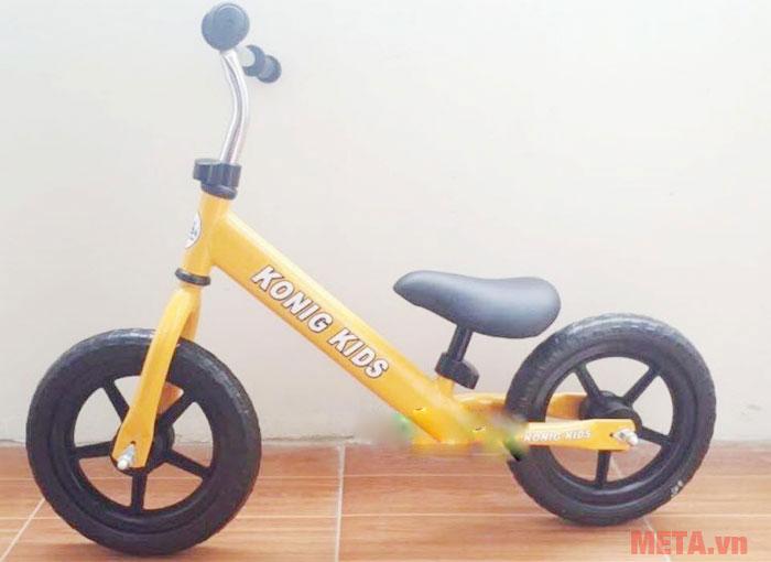 Xe cân bằng Konig Kids CN2001 màu vàng