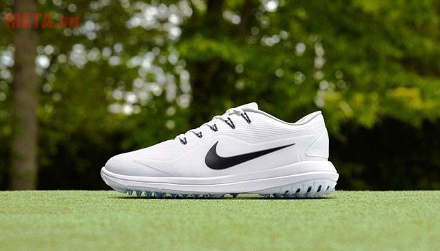 Hình ảnh giày đánh golf siêu nhẹ
