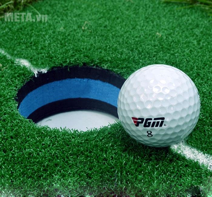 Lỗ vào bóng golf