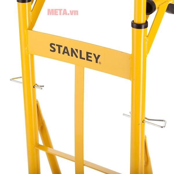 Xe đẩy hàng Stanley khá linh hoạt, dễ dàng di chuyển