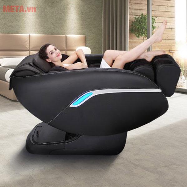 Thư giãn bằng ghế massage