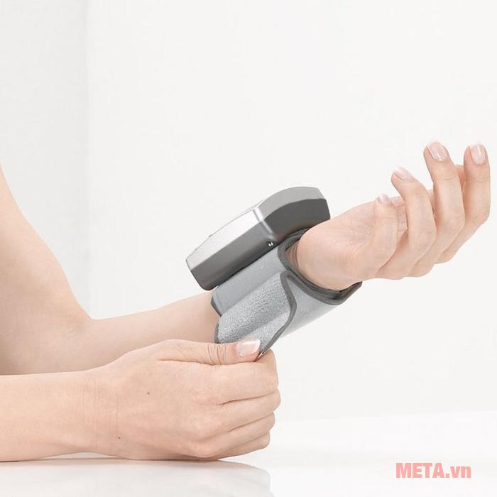 Máy đo huyết áp Sanitas
