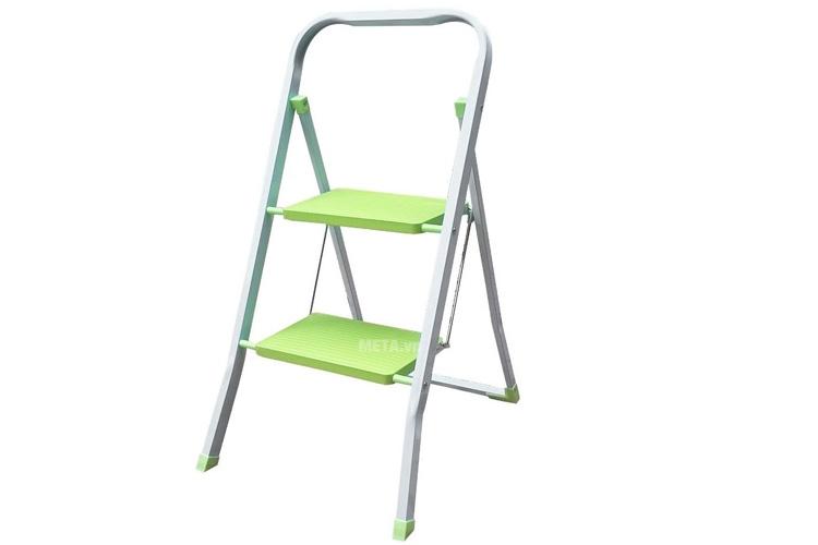 Thang ghế 2 bậc Advindeq ADS402 được thiết kế hiện đại.