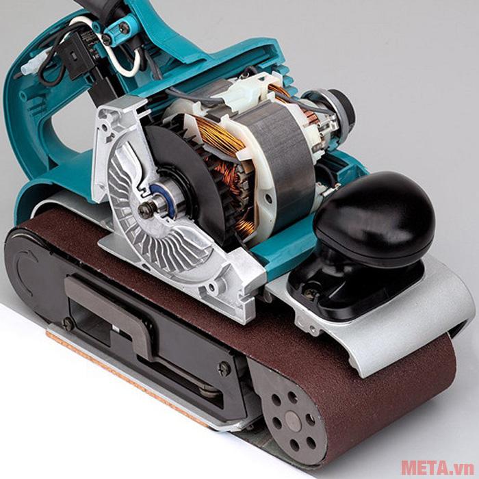 Máy chà nhám băng hoạt động với công suất 1200W