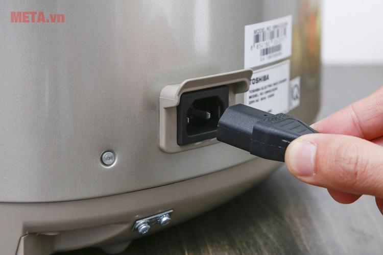 Nồi cơm điện tử cao tần dùng điện áp 220V