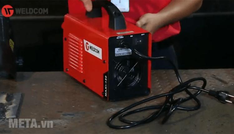 Máy hàn que điện tử chạy bằng điện