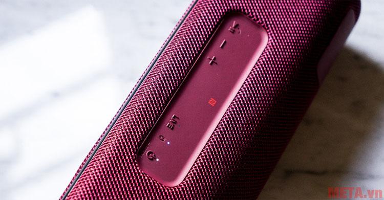 Các nút điều khiển trên thân loa