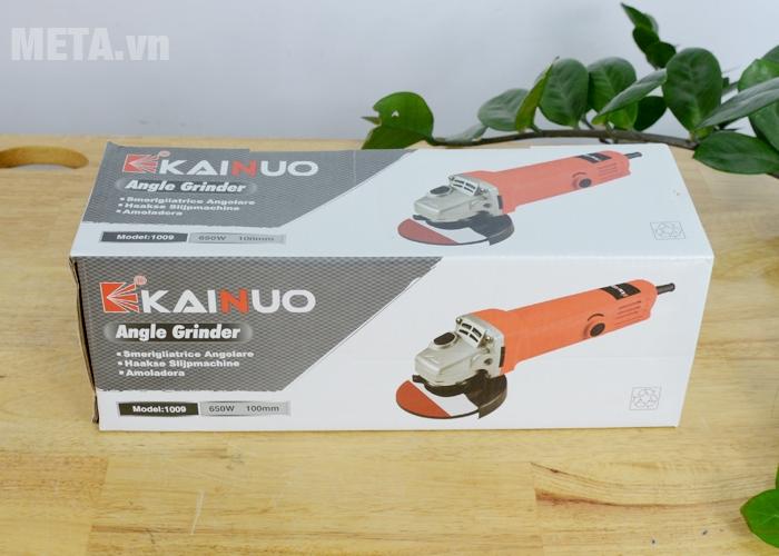 Máy mài Kainuo 100mm 1009 được đựng trong hộp giấy bìa cứng
