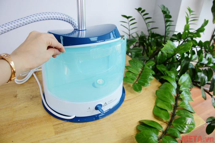 Bàn là có dung tích bình nước cao lên đến 1,6 lít