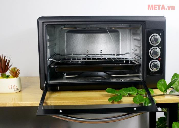 Lò nướng thùng Tiross TS9603 được làm bằng chất liệu cao cấp