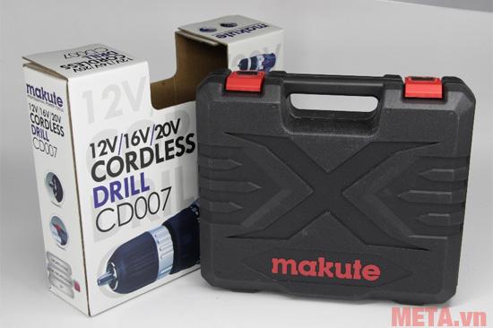 Máy khoan pin Makute CD007 được đựng trong vỏ hộp nhựa