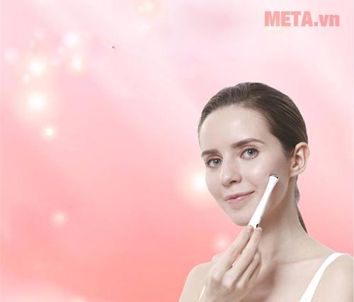 Máy massage giảm nếp nhăn và chống thâm quầng mắt Lifetrons EM-700