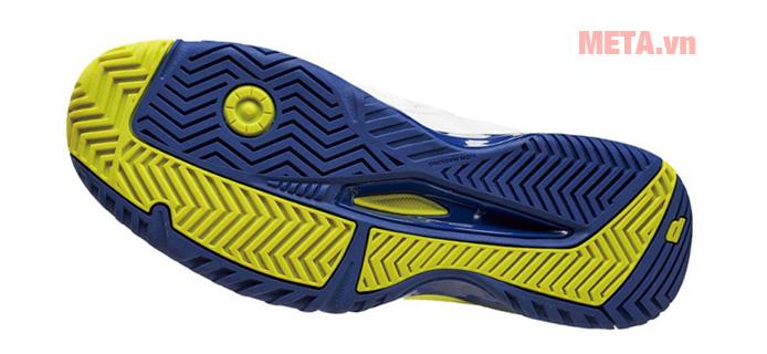 Giày bổ sung 1 lớp nhựa dẻo nhẹ nhàng cho bạn hoạt động thoải mái không bị đau chân