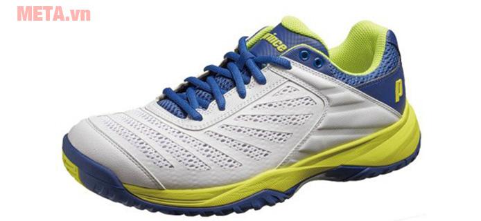 Trọng lượng siêu nhẹ và thiết kế như 1 đôi giày thể thao giúp bạn thoải mái mang ra ngoài