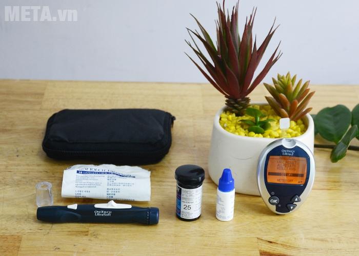 Bộ sản phẩm máy đo đường huyết OneTouch Ultra 2