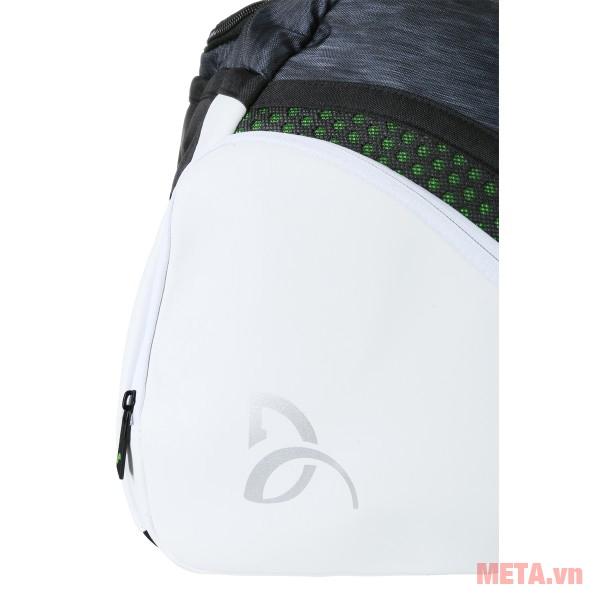Ngăn phụ kiện của túi tennis