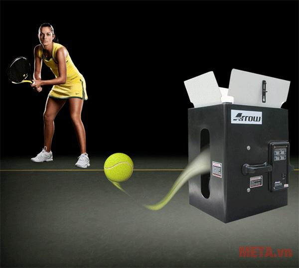 Chiếc máy với công nghệ hiện đại tiên tiến phù hợp với cả những tay vợt chuyên nghiệp