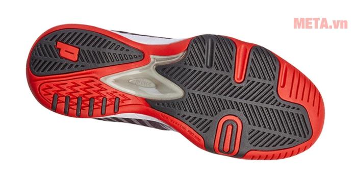 Đế giày bổ sung lớp nhựa dẻo cung cấp sự ổn định