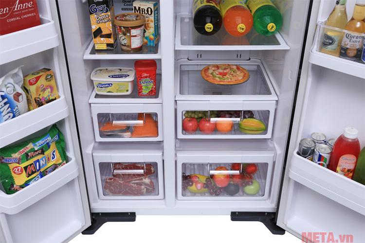 Không gian rộng rãi để bạn chứa lượng lớn thực phẩm