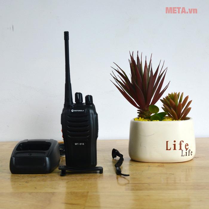 Chi tiết bộ đàm Motorola MT 918
