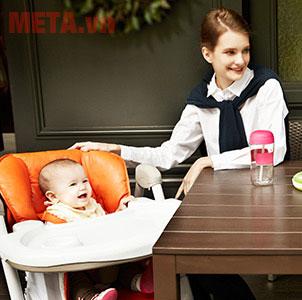 Chiếc ghế khá đa dụng, có thể dùng để ngồi ăn, ngồi chơi