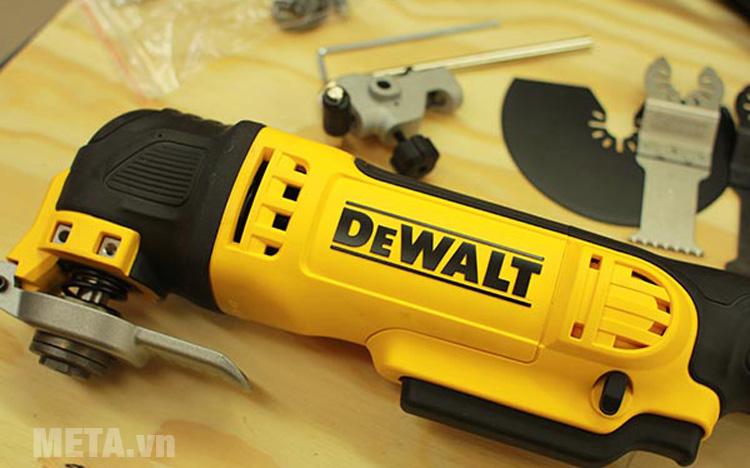 Máy cắt rung DeWalt