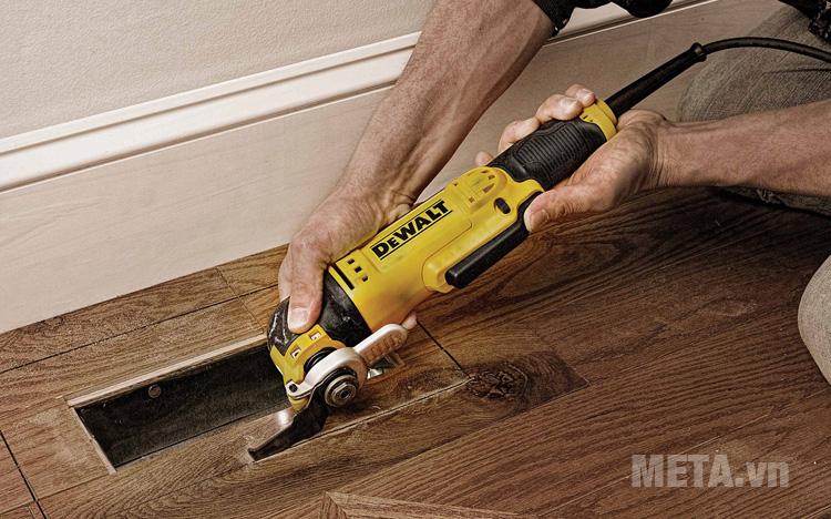 Máy cắt rung cắt gỗ