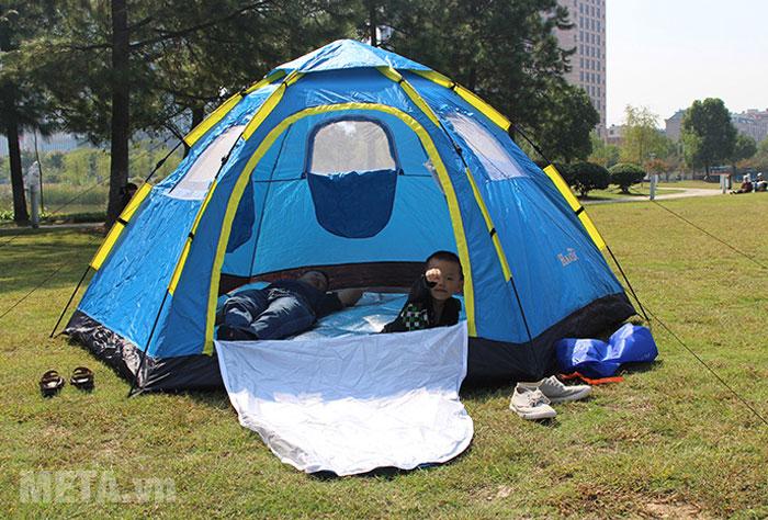 Lều trại sử dụng được cho 6 - 8 người