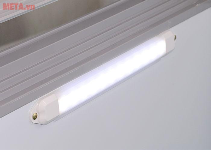 Tủ đông có đèn chiếu sáng