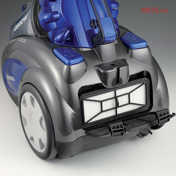 Chiếc máy có gam màu và thiết kế khỏe khoắn