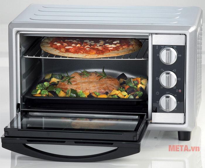 Khoang lò rộng giúp việc nấu ăn dễ dàng hơn